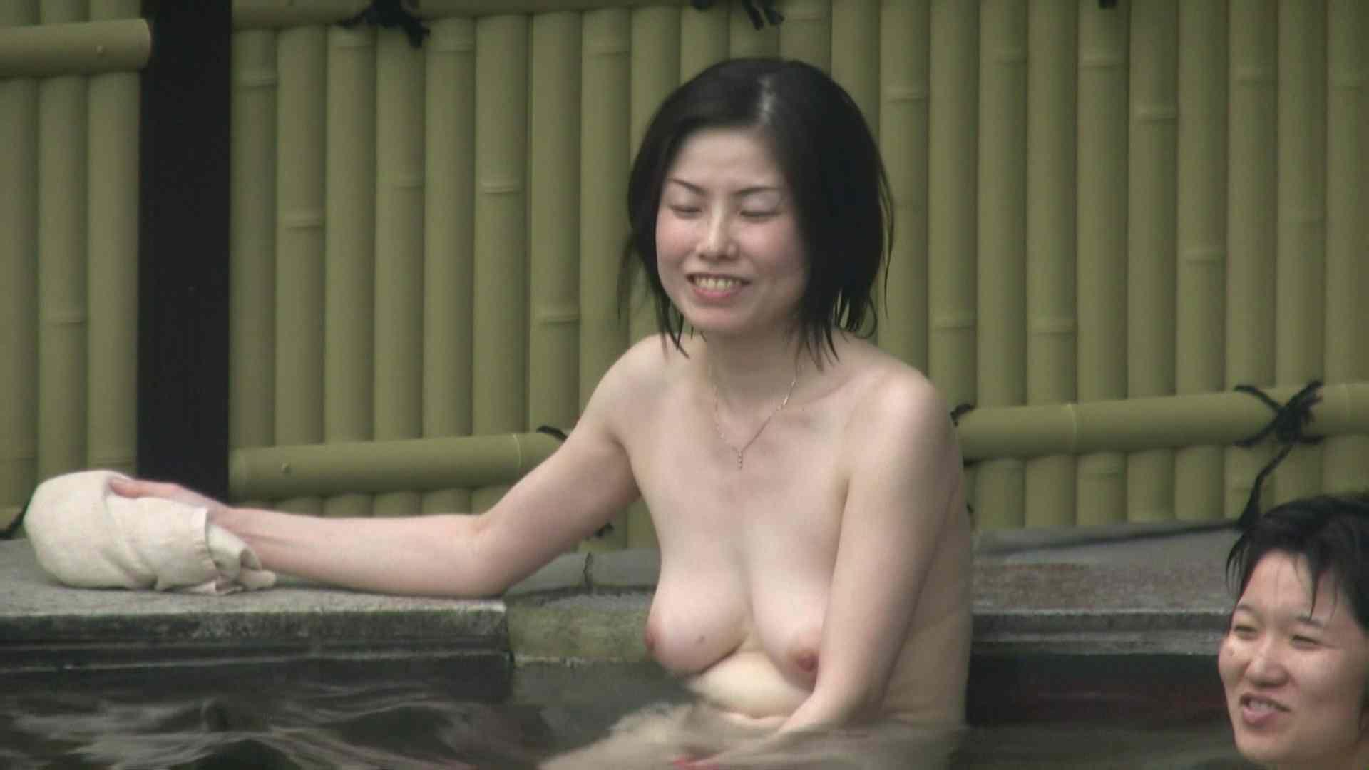 高画質露天女風呂観察 vol.035 OL  95pic 11